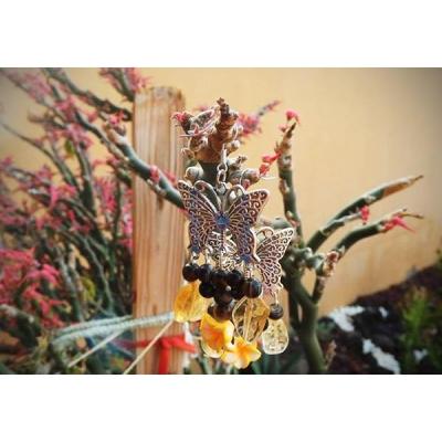 Orecchini con farfalla, agata e quarzo