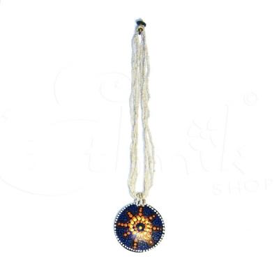 Collana di perline bianche con ciondolo dipinto sole concept 2