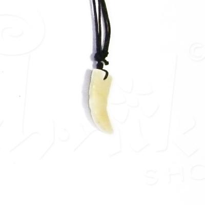 Collana con ciondolo in pietra incisa - white corn