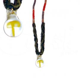 Collana tribale con funghetto in vetro