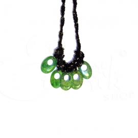 Collana torcione con perline e ciondoli in minerale