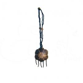 Collana torcione con perline e ciondolo in cocco
