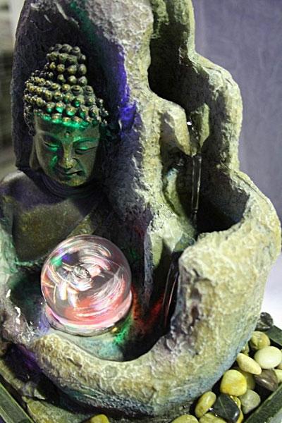 Fontana zen buddha con led e sfera fontane e giardini for Fontana zen