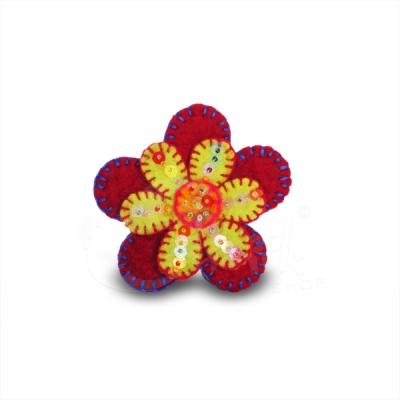 Spilla in lana cotta fiore 1